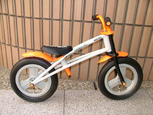 自転車の 自転車 練習用 : バランス練習用自転車